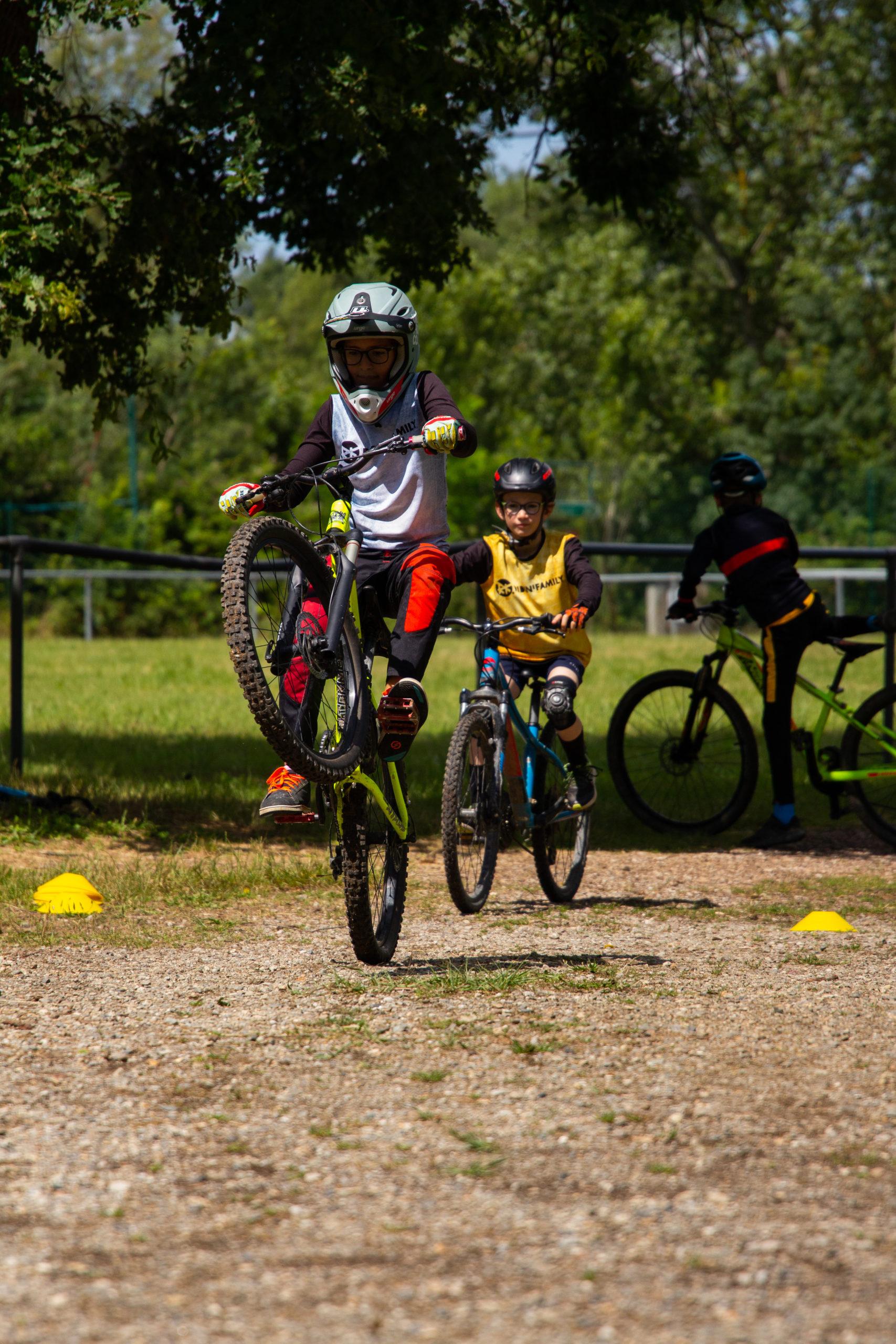 Stage VTT 0,5jr enfants à partir de 9 ans à Lacroix-Falgarde