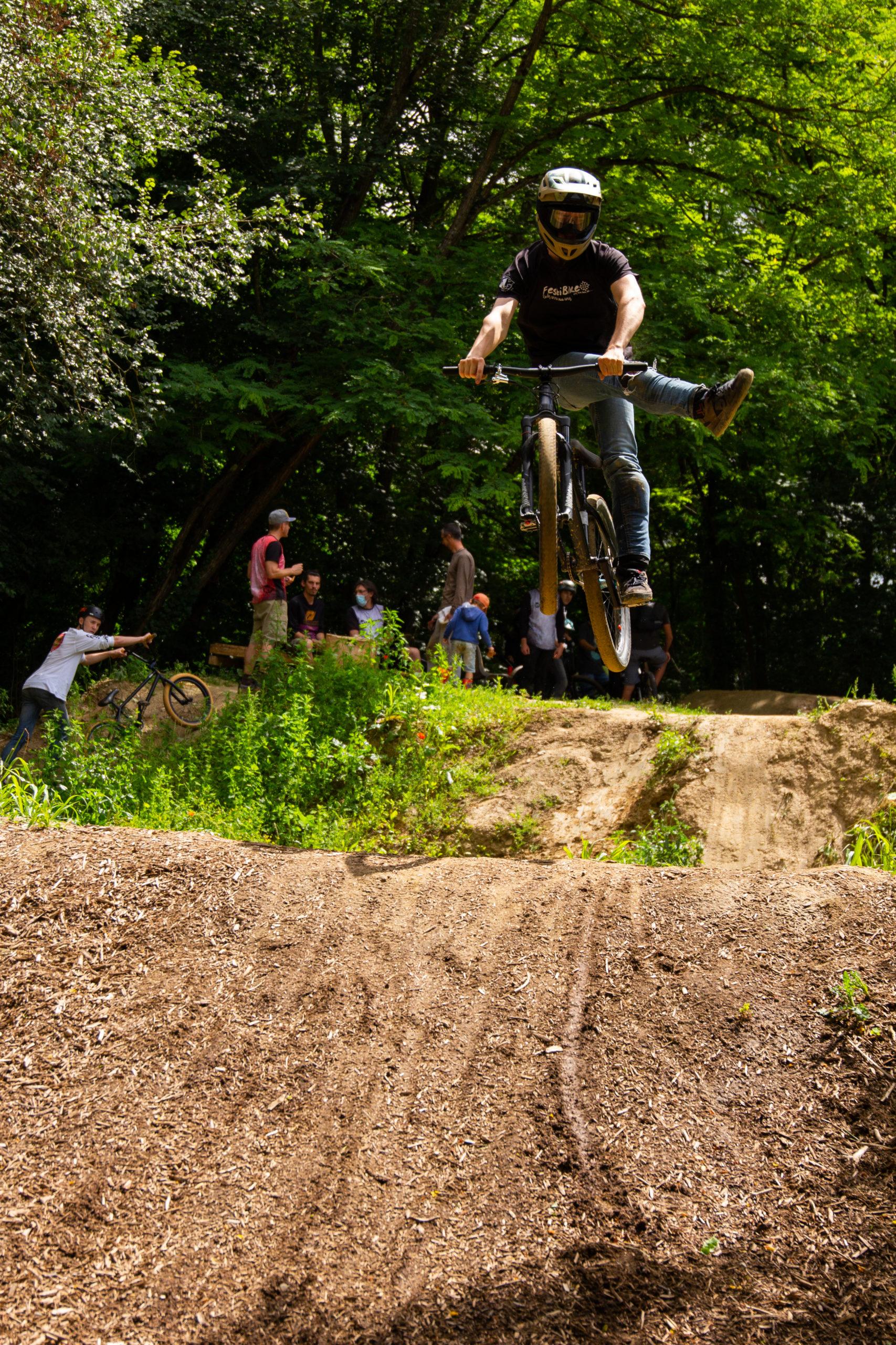 Stage VTT/BMX/DIRT 0,5jr enfants/ados tous niveaux à Lacroix-Falgarde